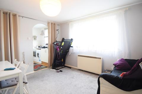 Studio to rent - Greenford, UB6