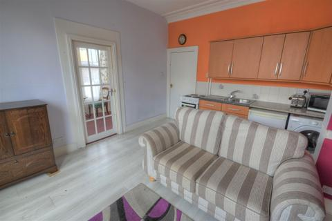 1 bedroom flat for sale - North Marine Road, Scarborough