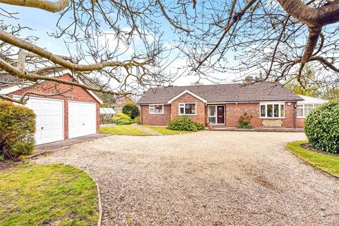 3 bedroom bungalow for sale - Whyke Road, Chichester, West Sussex, PO19