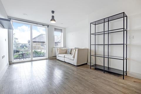 1 bedroom flat for sale - Ellerton Road, Surbiton