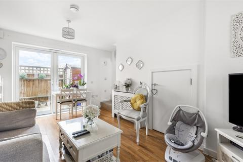 1 bedroom terraced house for sale - Magnetic Crescent, Enfield, Greater London