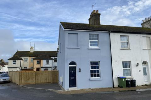 2 bedroom end of terrace house to rent - Transit Road, Newhaven BN9