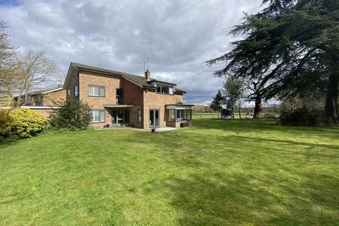4 bedroom detached house for sale - Cedar Grove, North Runcton