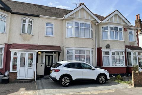 3 bedroom terraced house for sale - 23 Brook Road, Ilford, Essex