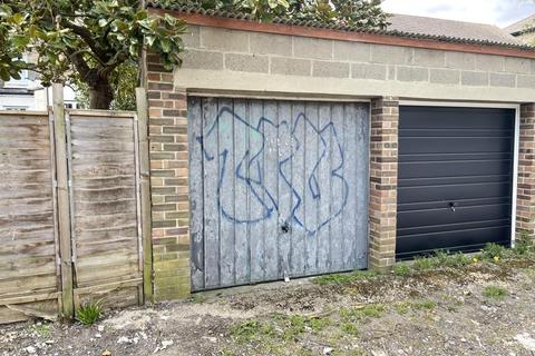 Property for sale - Garage Rear Of 22 Dagnall Park, South Norwood, London