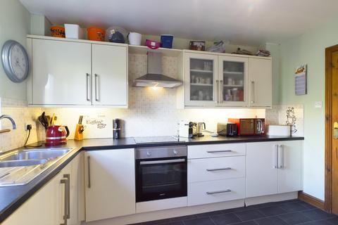 2 bedroom ground floor flat for sale - Chestnut Court, Holme