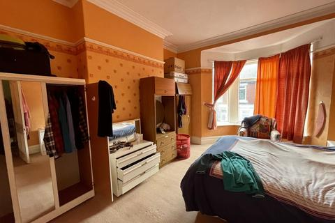 3 bedroom flat to rent - Whitefield Terrace