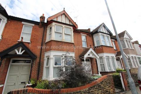 3 bedroom terraced house to rent - Glenwood Ave, Westcliff On Sea