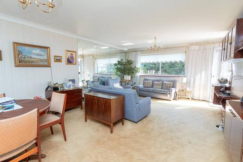 2 bedroom apartment for sale - Hale Lane, Edgware, HA8