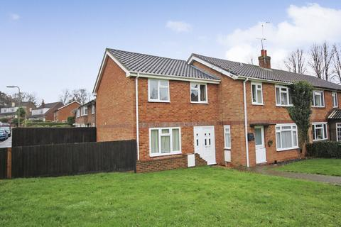 3 bedroom end of terrace house for sale - Manor Road, ALTON, Hampshire