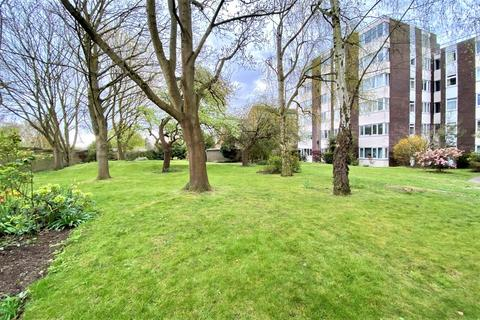 2 bedroom ground floor flat for sale - Galsworthy Road, Kingston