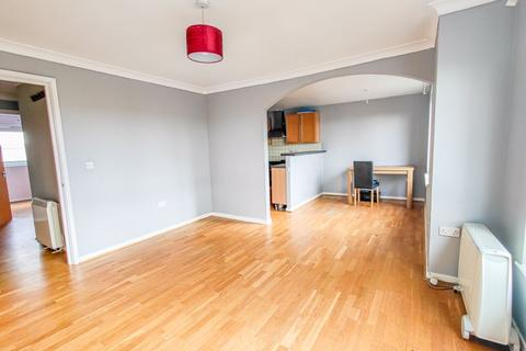 2 bedroom flat to rent - Meadowford Close, Central Thamesmead, London SE28