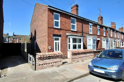 3 bedroom end of terrace house for sale - Derwent Street, Lincoln