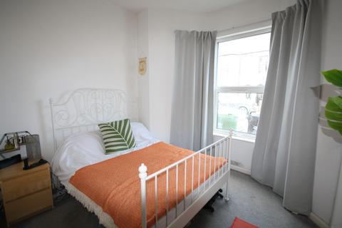 2 bedroom ground floor flat to rent - Theobald Road, Canton, Cardiff