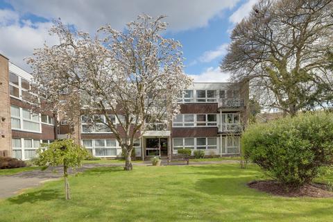 2 bedroom apartment to rent - Foxgrove, Southgate, N14 7EA