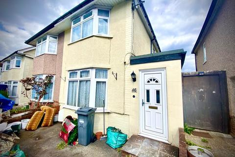3 bedroom terraced house to rent - Denison Road, Feltham