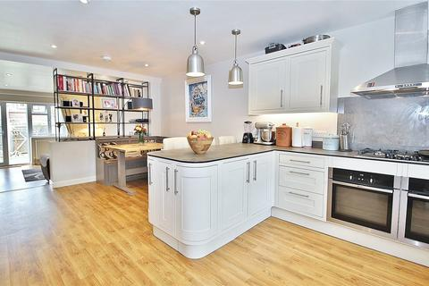 3 bedroom terraced house for sale - Roedean Road, Worthing, West Sussex, BN13