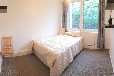 5 bedroom flat share to rent - Harrow Road, London W2