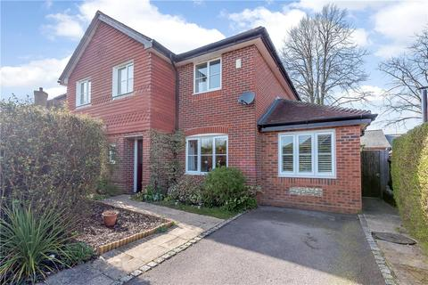 3 bedroom detached house for sale - The Hall Way, Littleton, Winchester, Hampshire, SO22