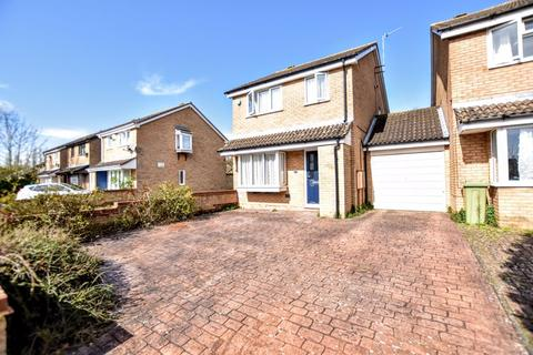 3 bedroom house for sale - Padstow Avenue, Milton Keynes