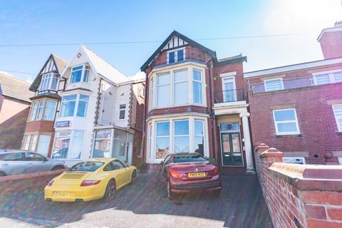 1 bedroom apartment for sale - Lightburne Ave, Lytham St. Annes, FY8