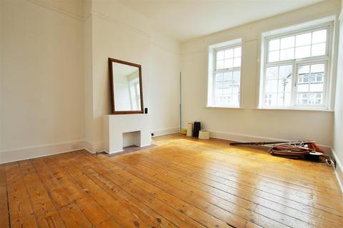 2 bedroom property to rent - Penn Hill Avenue, Poole