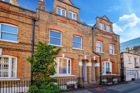 2 bedroom apartment to rent - 12 Sylvester Path, London, E8