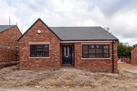 3 bedroom detached bungalow for sale - Sherwood Court, Bolsover, Chesterfield, S44