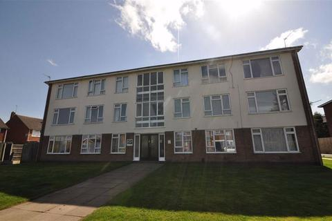 3 bedroom flat to rent - Murcott Road East, Whitnash, Leamington Spa