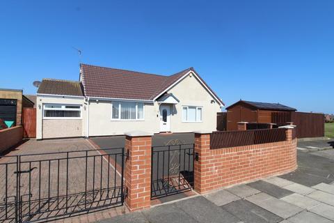2 bedroom semi-detached bungalow for sale - Peltondale Avenue, Blyth