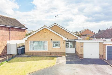 2 bedroom detached bungalow for sale - Medina Drive, Tollerton, Nottingham