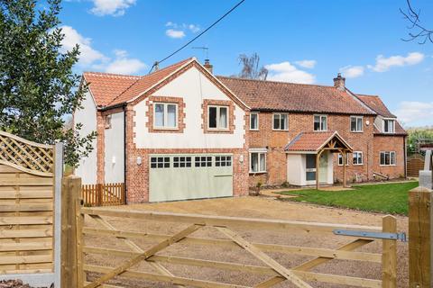 12 bedroom house for sale - Swafield, NR28