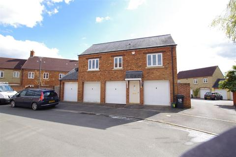 2 bedroom coach house to rent - Maybold Crescent, Taw Hill, Swindon