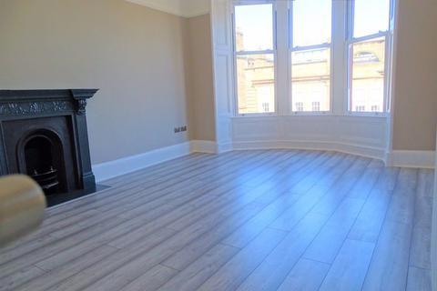 2 bedroom flat to rent - Stunning 2 Bed @ Highburgh Rd, G12