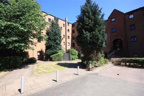2 bedroom flat to rent - Flat 2/R, 19 Albion Gate