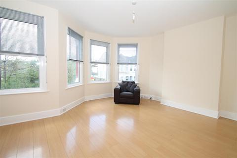 2 bedroom flat to rent - Frobisher Road, Turnpike Lane N8