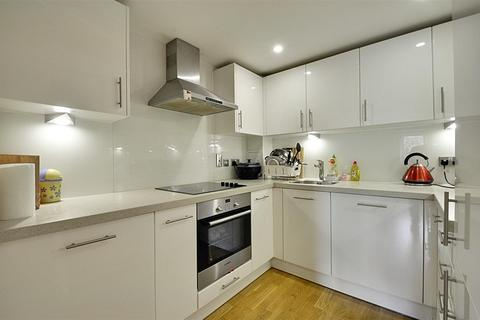 1 bedroom apartment to rent - Langley House, Beavers Lane, Hounslow