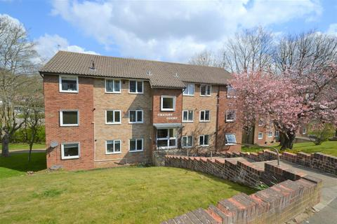 2 bedroom flat to rent - Mill Rise, Westdene, Brighton