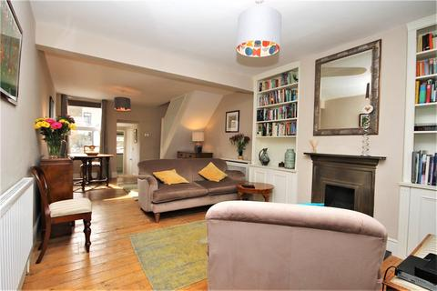 2 bedroom terraced house for sale - Addison Road, South Norwood, London, SE25