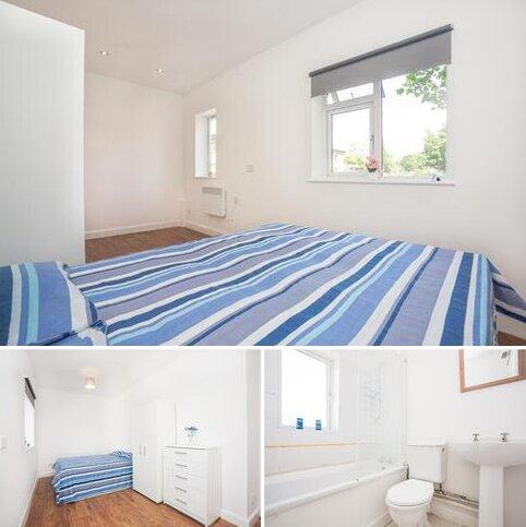 3 bedroom flat share to rent - 105 Saint Pancras Way, London NW1