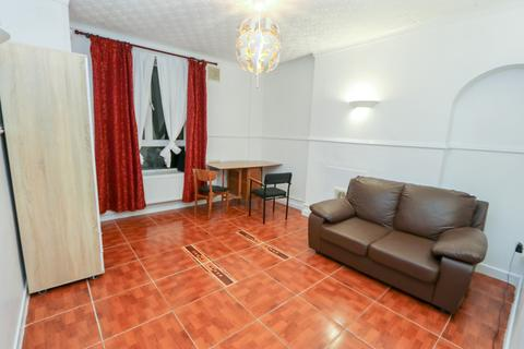 3 bedroom flat to rent - Browning Street, SE17