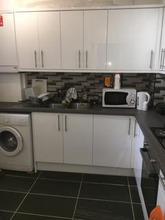 3 bedroom flat to rent - Old Castle Street, Aldgate East E1