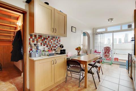 2 bedroom flat for sale - Clapham Road, London SW9