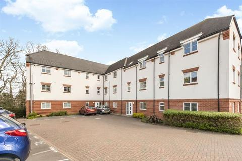 2 bedroom flat for sale - Stubwick Court, Old Saw Mill Place, Little Chalfont, Buckinghamshire, HP6 6FF