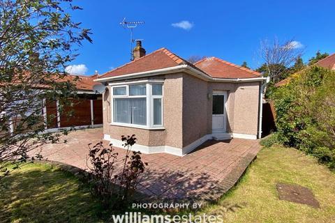 2 bedroom detached bungalow for sale - Trellewelyn Road, Rhyl
