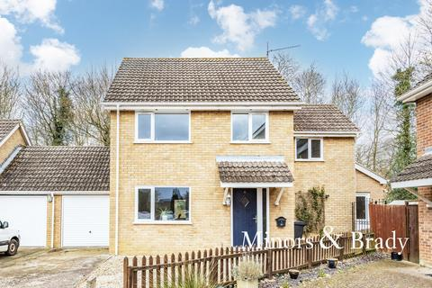 4 bedroom link detached house for sale - Eva Close, Shipdham