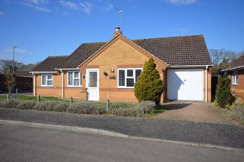 3 bedroom detached bungalow for sale - Woodpecker Drive Watton