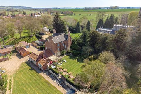 8 bedroom detached house for sale - High Road, Hough-On-The-Hill, Grantham