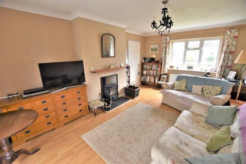 3 bedroom semi-detached house for sale - Waverley Gardens, Stamford