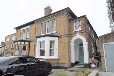 2 bedroom flat to rent - Princes Road, Buckhurst Hill, Essex